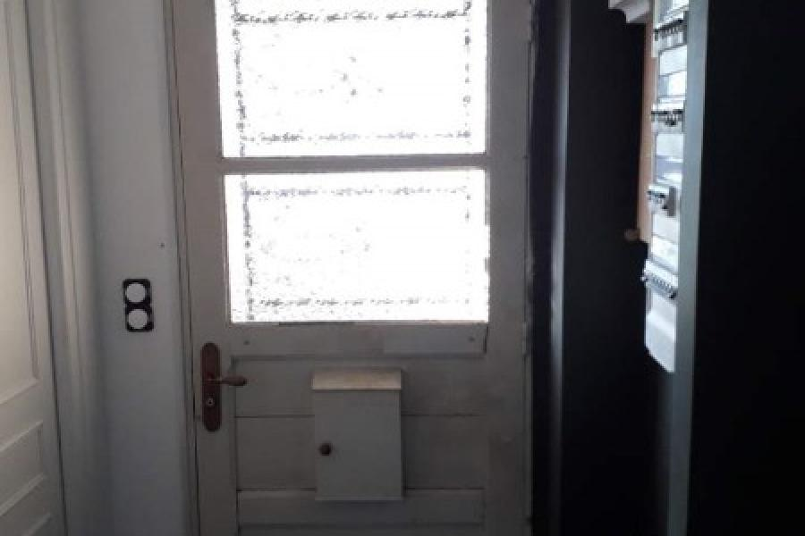 Remplacement de porte d'entrée par Laro Aménagement d'intérieur